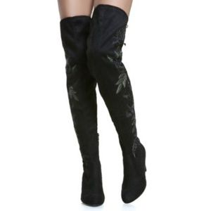 Wild Diva Shoes - Wild Diva black over the knee boots w/ floral sz 9